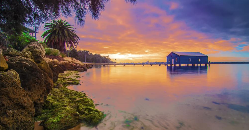 Western,Australia,-,Sunrise,View,Of,Perth,Skyline,From,Swan