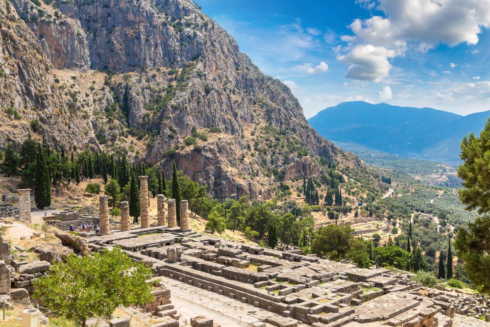 The,Temple,Of,Apollo,In,Delphi,,Greece,In,A,Summer